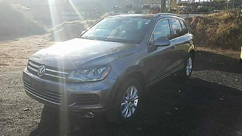 2014 Volkswagen Touareg for sale in East Windsor, CT