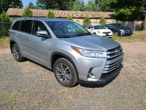 2017 Toyota Highlander for sale at BETTER BUYS AUTO INC in East Windsor CT