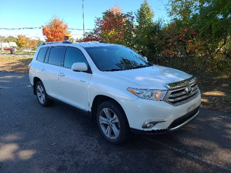 2013 Toyota Highlander for sale at BETTER BUYS AUTO INC in East Windsor CT