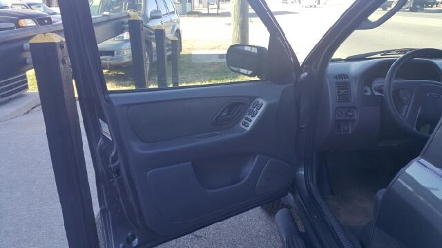 2004 Ford Escape XLT 4WD 4dr SUV - Richmond VA
