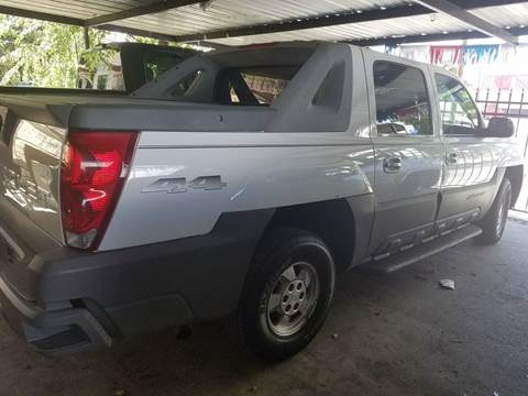2002 Chevrolet Avalanche for sale at C.J. AUTO SALES llc. in San Antonio TX