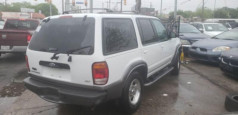 2000 Ford Explorer Xlt 4dr Suv In San Antonio Tx C J Auto