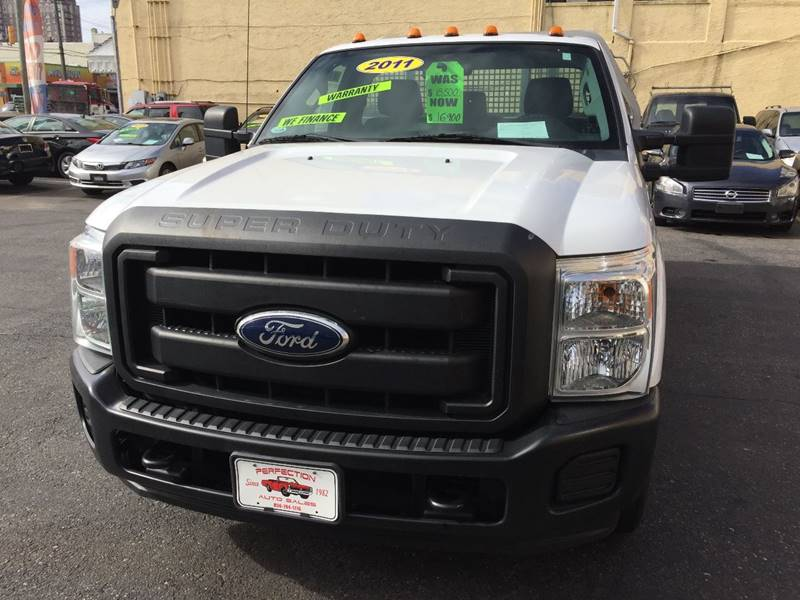 2011 Ford F-350 Super Duty 4x2 XL 2dr Regular Cab 141 in. WB SRW Chassis - Atlantic City NJ