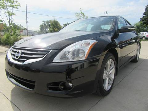 2012 Nissan Altima for sale in Des Moines, IA