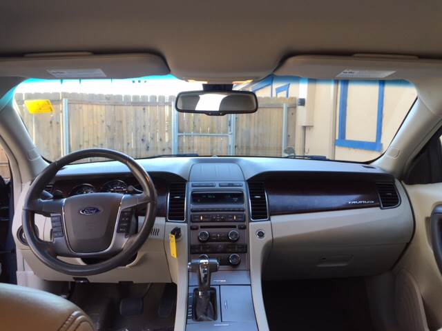 2010 Ford Taurus SEL 4dr Sedan - Wichita KS