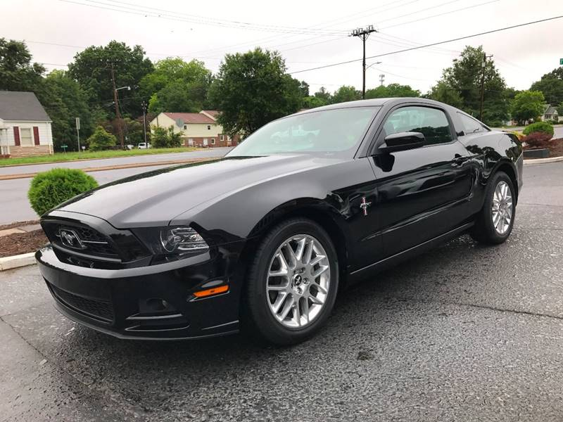 2014 Ford Mustang V6 Premium 2dr Coupe - Hickory NC