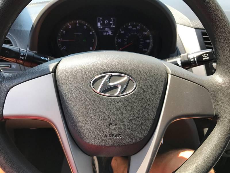 2016 Hyundai Accent SE 4dr Sedan 6A - Hickory NC