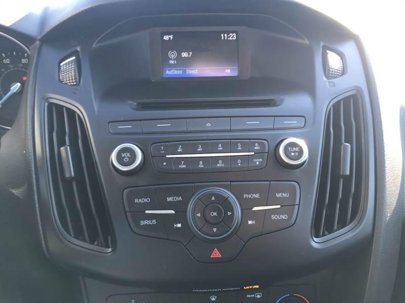2015 Ford Focus SE 4dr Sedan - Hickory NC