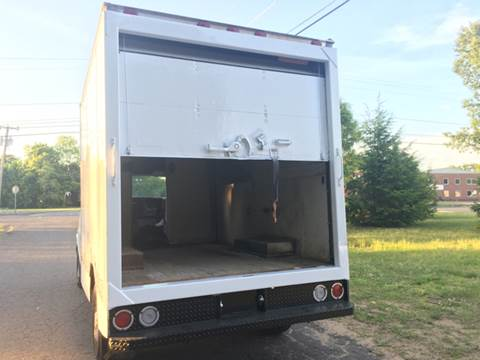 2004 Chevrolet Express Cutaway for sale in Windsor Locks, CT