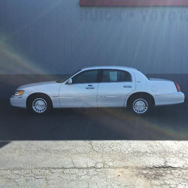 2002 Lincoln Town Car Executive 4dr Sedan In Jonesboro Ar