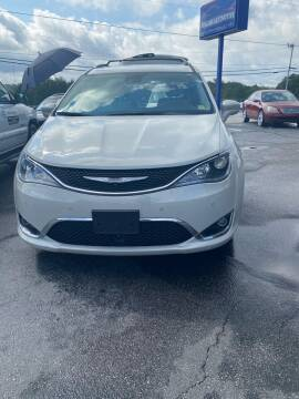 2017 Chrysler Pacifica for sale at Penland Automotive Group in Taylors SC