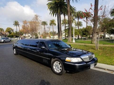 2010 Lincoln Town Car for sale at American Limousine Sales in Los Angeles CA