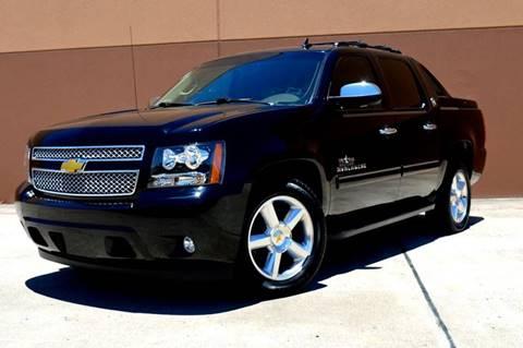 2013 Chevrolet Black Diamond Avalanche for sale in Houston, TX