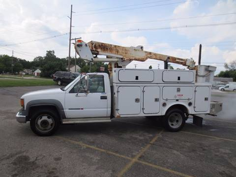 2002 Chevy 40' bucket truck as is 3500 for sale at Ernie's Auto LLC in Columbus OH