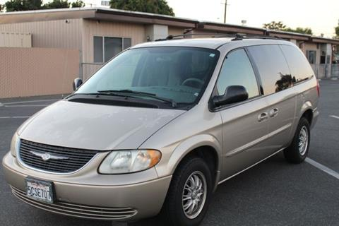 2003 Chrysler Town and Country for sale in Lakewood, CA