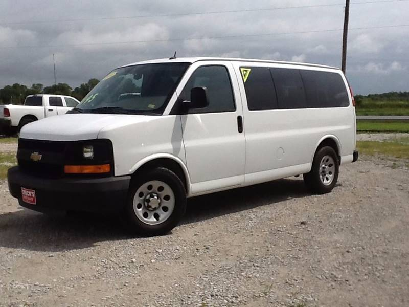 2011 Chevrolet Express Passenger LS 1500 3dr Passenger Van - Lowry City MO