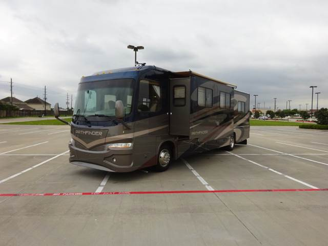 2007 Coachmen Sportscoach Pathfinder 377  for sale at Top Choice RV in Spring TX