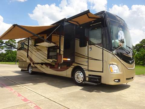2015 Fleetwood Discovery 37R, 4 slides, for sale in Spring, TX