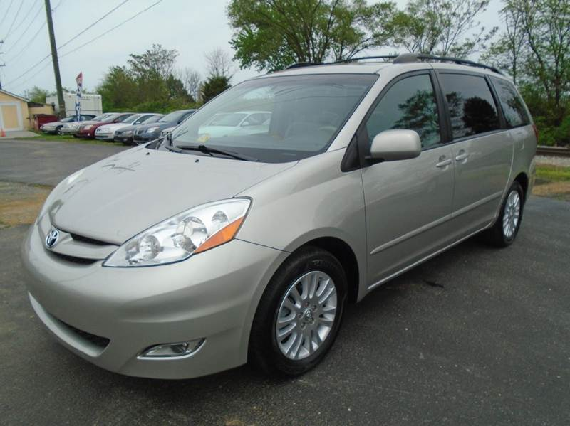 2008 Toyota Sienna for sale at Top Gear Motors in Winchester VA