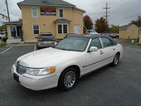 2000 Lincoln Town Car for sale at Top Gear Motors in Winchester VA