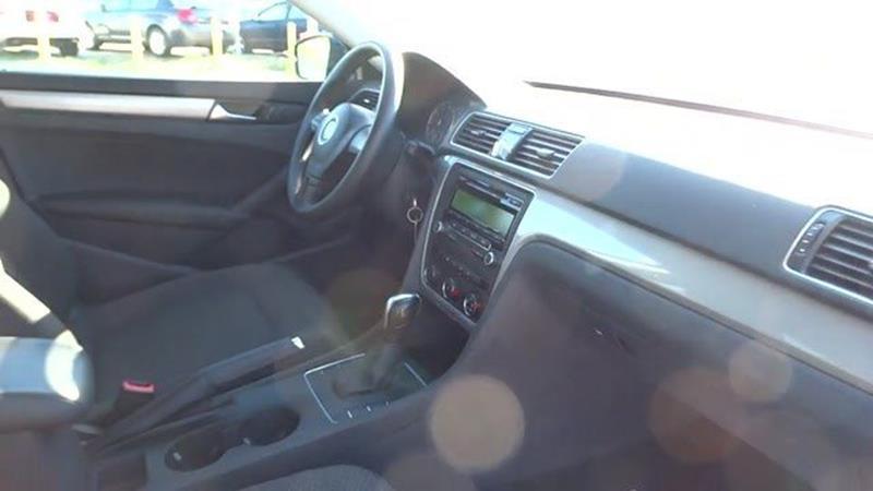 2013 Volkswagen Passat S - Harvey IL