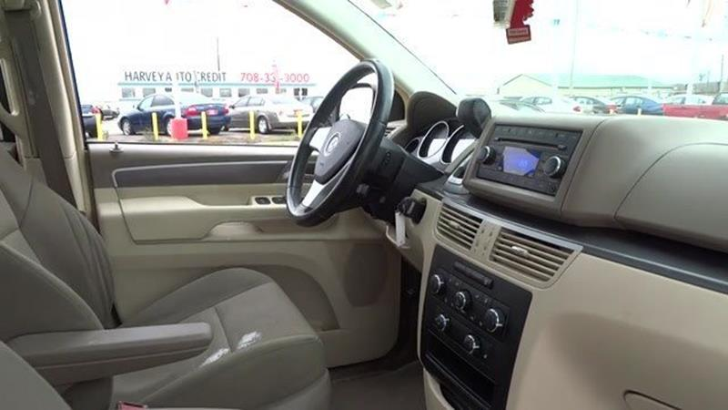 2009 Volkswagen Routan SE - Harvey IL