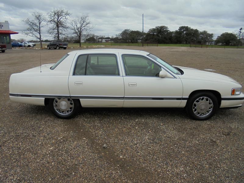 1996 Cadillac DeVille Concours 4dr Sedan - Belton TX