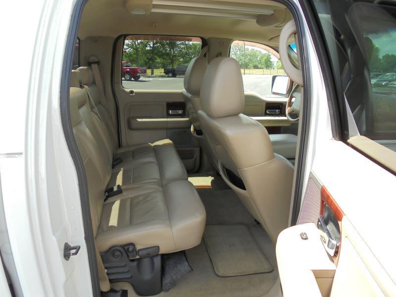 2005 Ford F-150 SUPERCREW LARIAT - Belton TX