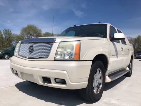 2004 Cadillac Escalade EXT for sale at Wolff Auto Sales in Clarksville TN
