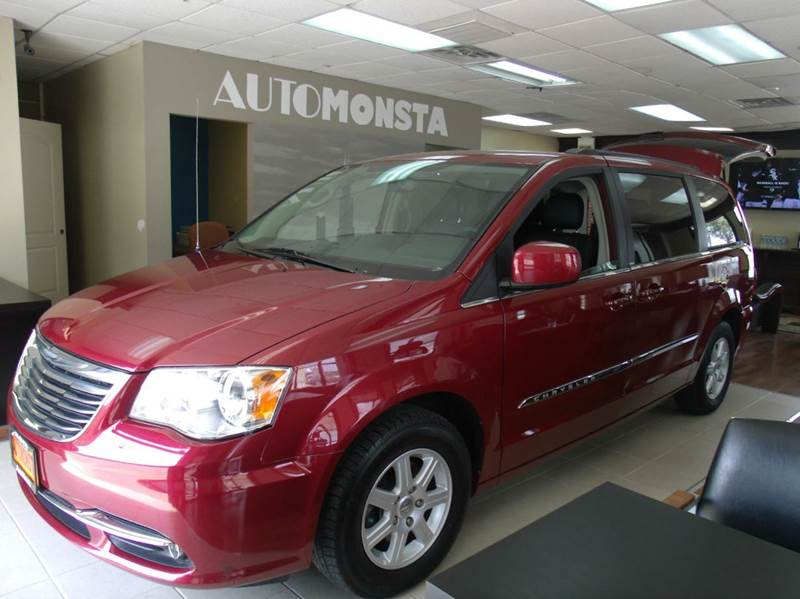 2013 Chrysler Town and Country Touring 4dr Mini-Van - Chicago IL