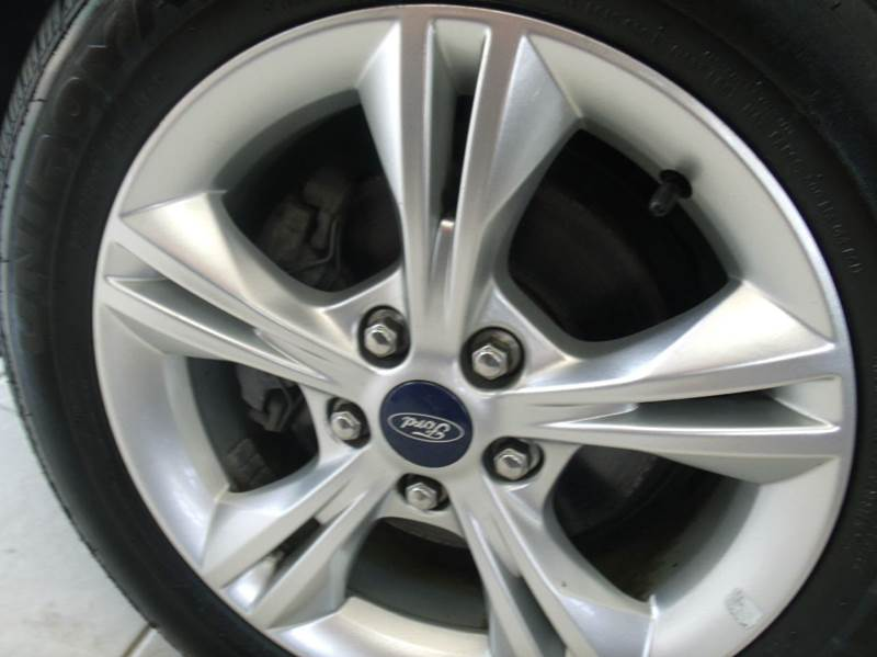 2013 Ford Focus SE 4dr Sedan - Chicago IL