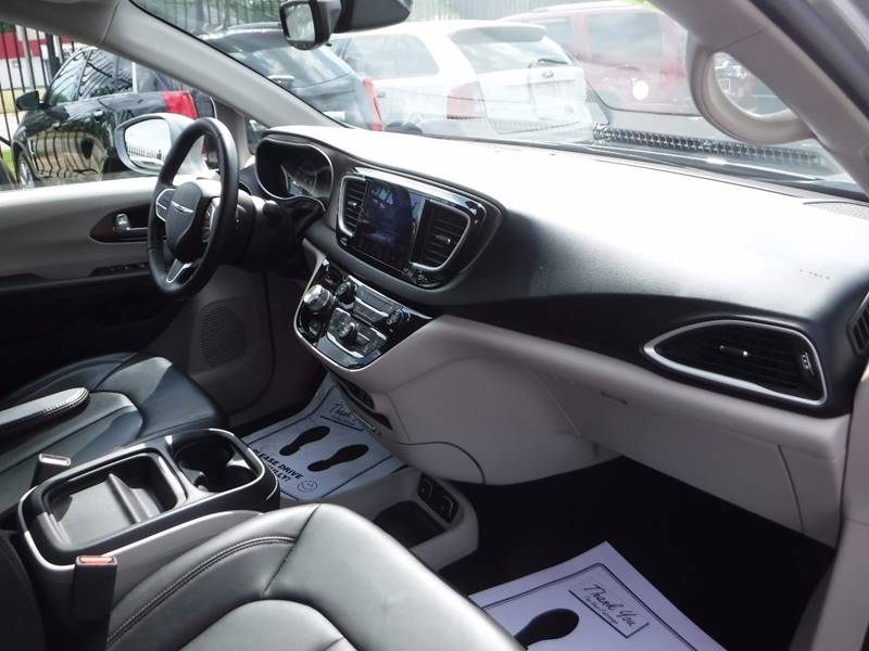 2017 Chrysler Pacifica for sale at Twins Auto Sales Inc - Redford Lot in Redford MI