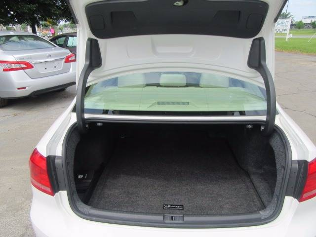 2014 Volkswagen Passat SE PZEV 4dr Sedan 6A w/Sunroof (I4) - Troy NY