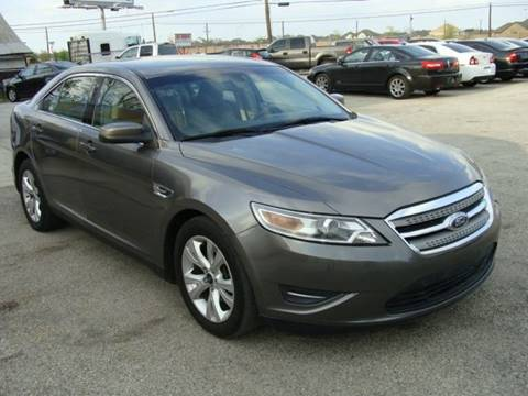 2012 Ford Taurus for sale at PREMIER MOTORS OF PEARLAND in Pearland TX