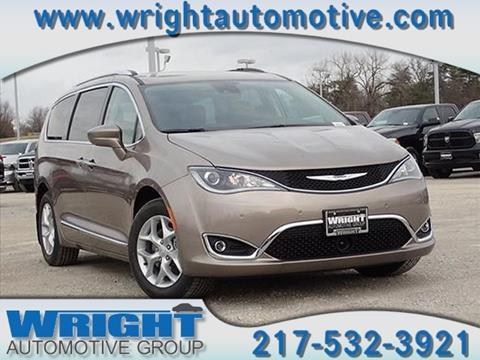 2017 Chrysler Pacifica for sale in Hillsboro, IL