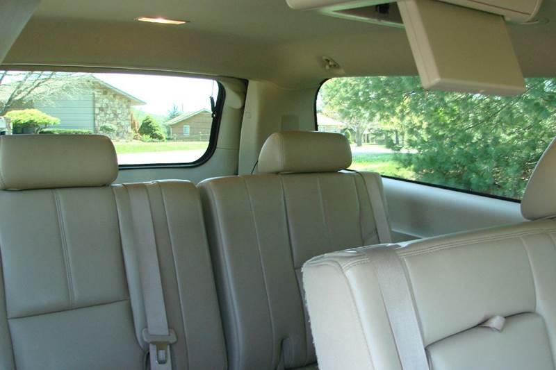 2012 Chevrolet Suburban LT 1500 4x4 4dr SUV - Sevierville TN