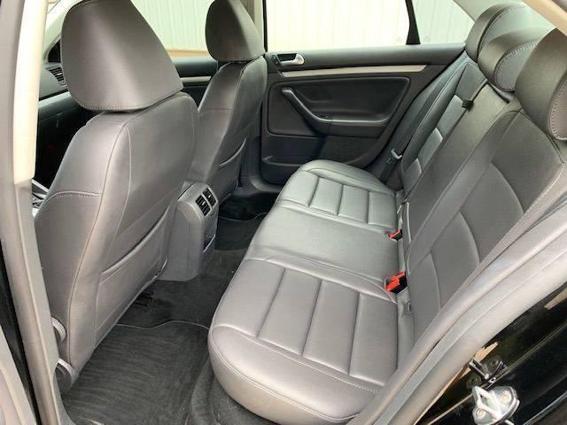 2009 Volkswagen Jetta Wolfsburg Edition 4dr Sedan 6A In