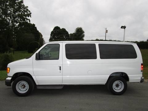 2004 Ford E-Series Wagon for sale in Abingdon, VA