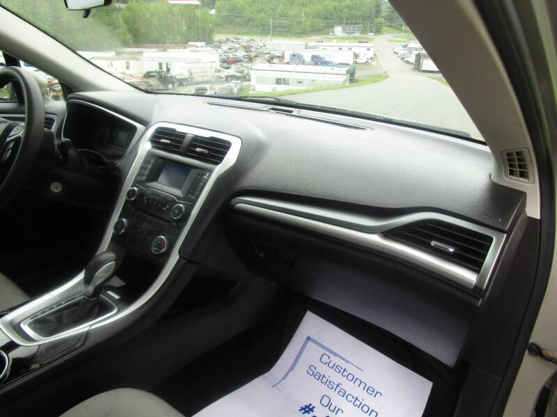 2016 Ford Fusion S 4dr Sedan - Abingdon VA