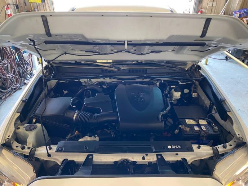 2017 Toyota Tacoma 4x4 SR5 V6 4dr Double Cab 5.0 ft SB - Abingdon VA