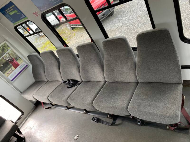 2006 Ford E-Series Chassis E-350 SD 2dr Commercial/Cutaway/Chassis 138-176 in. WB - Abingdon VA