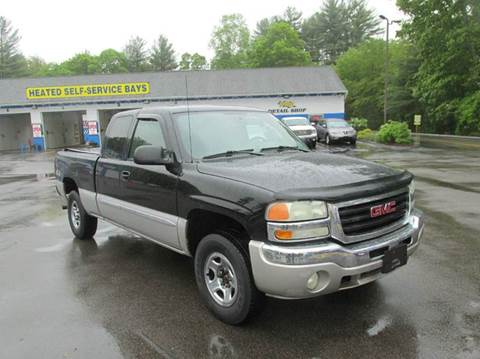 2004 GMC Sierra 1500 for sale at RTE 123 Village Auto Sales Inc. in Attleboro MA