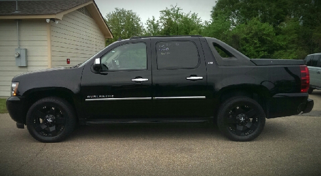 2009 Chevrolet Avalanche for sale at NextCar in Jackson MS