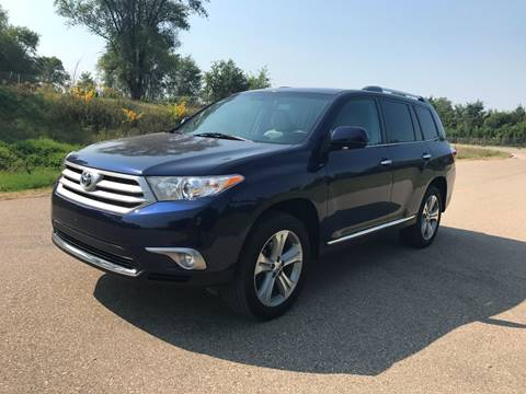 2013 Toyota Highlander for sale in Shakopee, MN