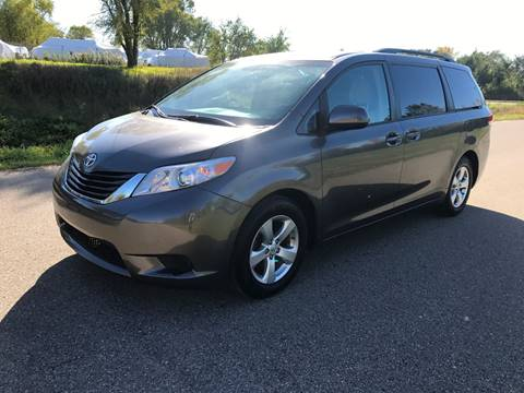 2013 Toyota Sienna for sale in Shakopee, MN