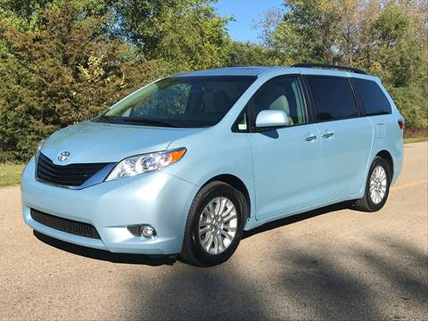 2015 Toyota Sienna for sale in Shakopee, MN
