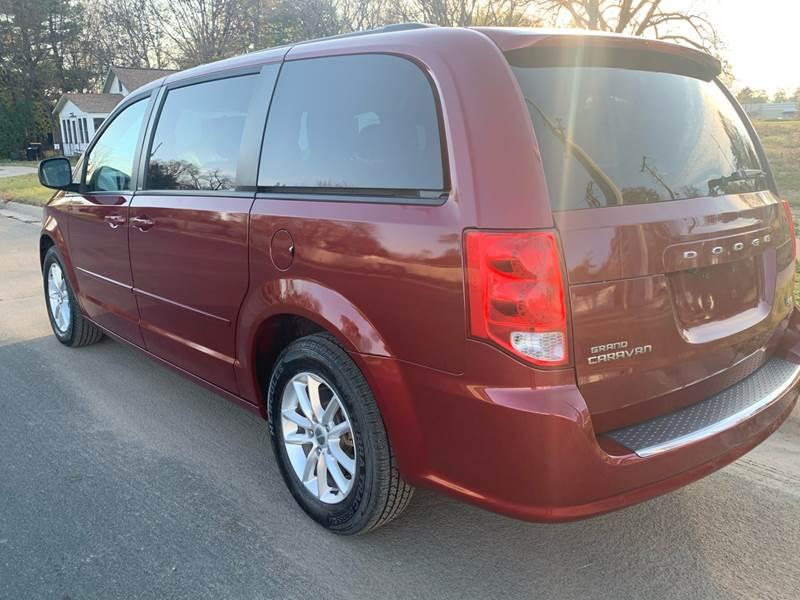 2014 Dodge Grand Caravan SXT 4dr Mini-Van - Farmington MN