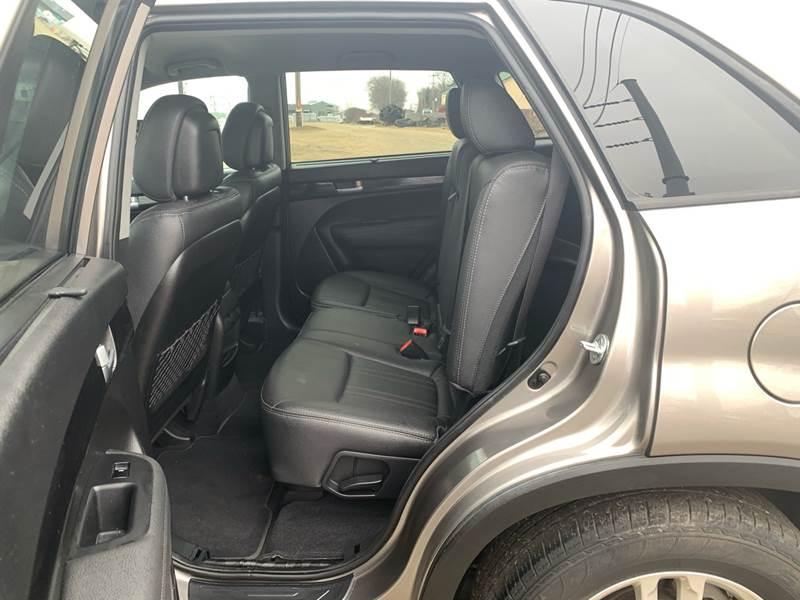 2015 Kia Sorento AWD LX 4dr SUV - Farmington MN