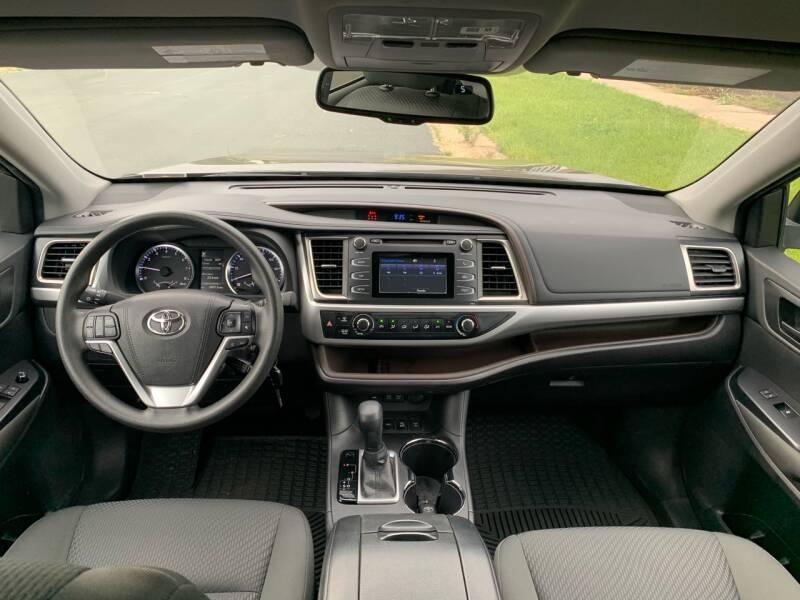 2017 Toyota Highlander AWD LE 4dr SUV - Farmington MN