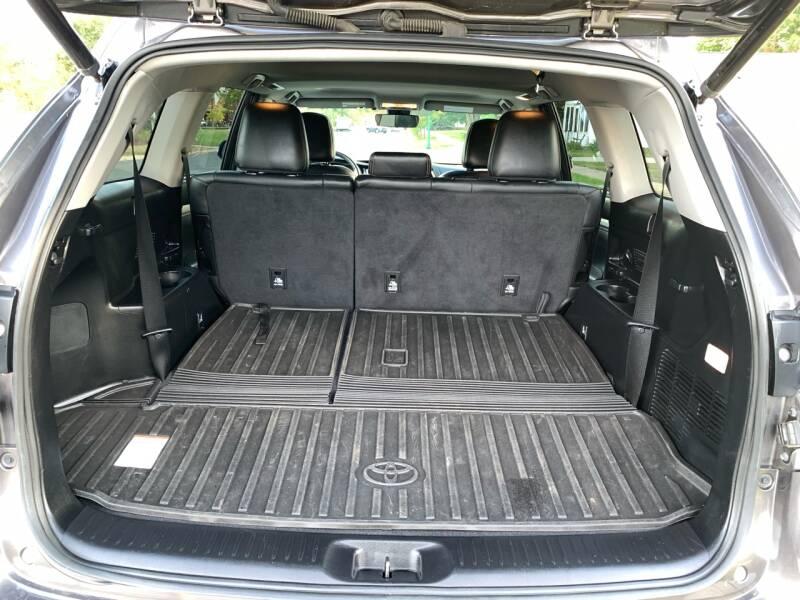 2017 Toyota Highlander AWD XLE 4dr SUV - Farmington MN